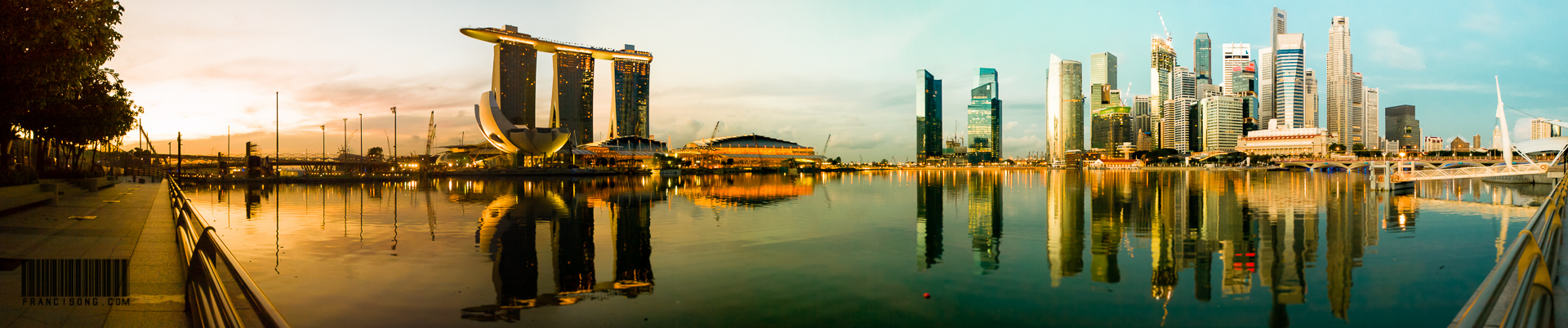 Sunrise at Marina Bay